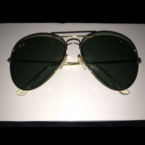 aviator style Gold Ray Bans